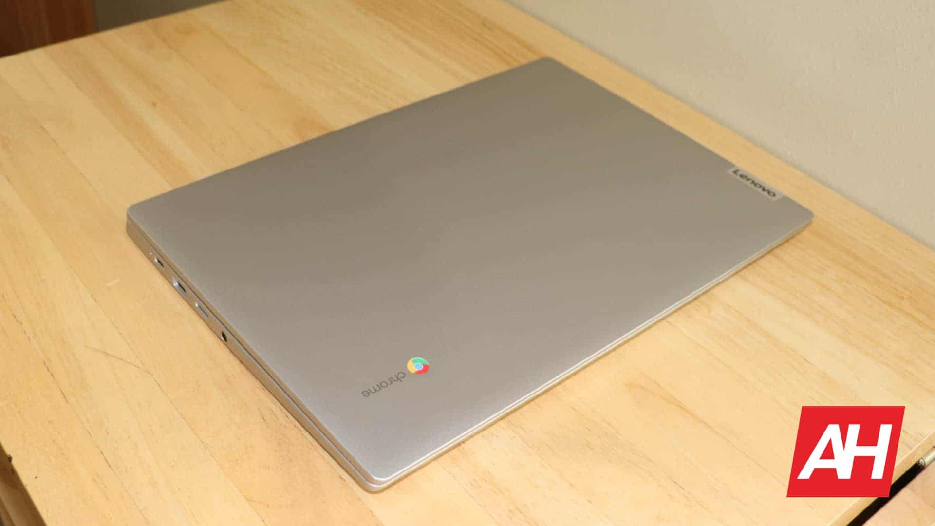 01 2 Lenovo IdeaPad 3 14 Chromebook AH 2020