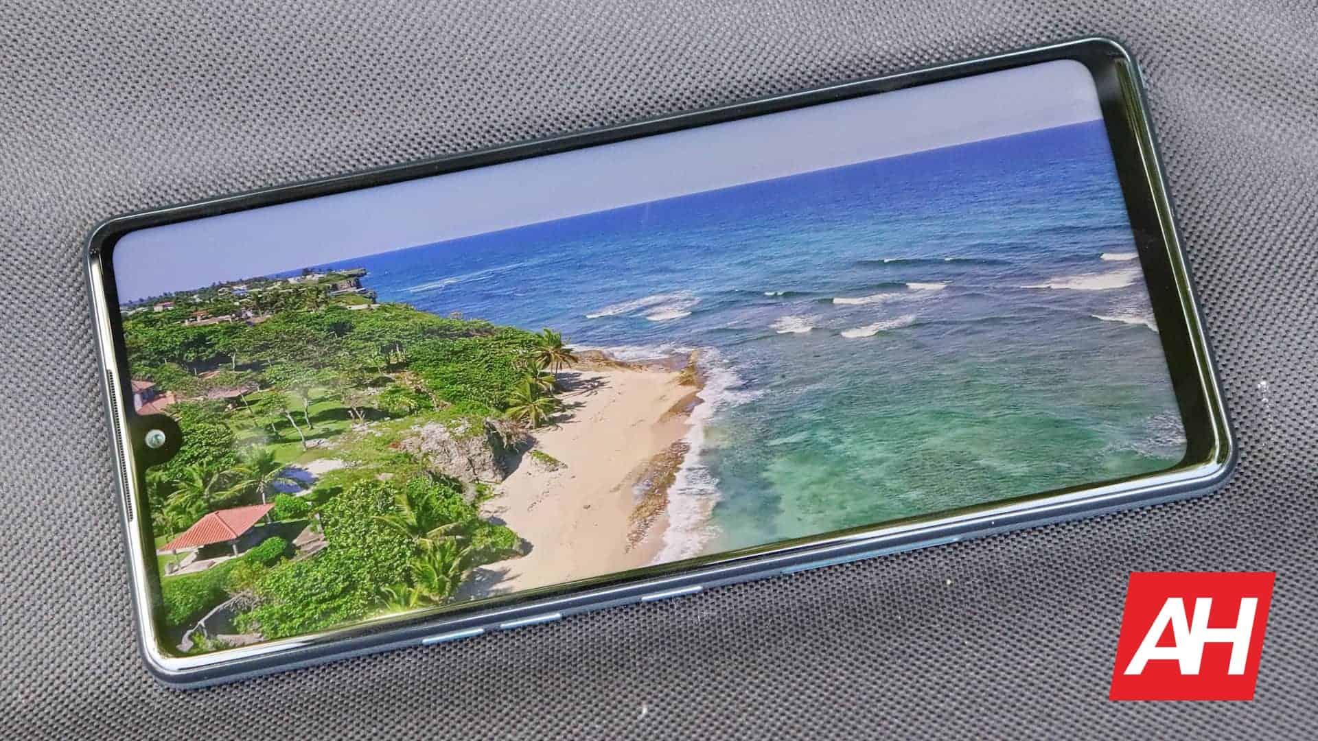 04 Display LG Stylo 6 Review AH 2020