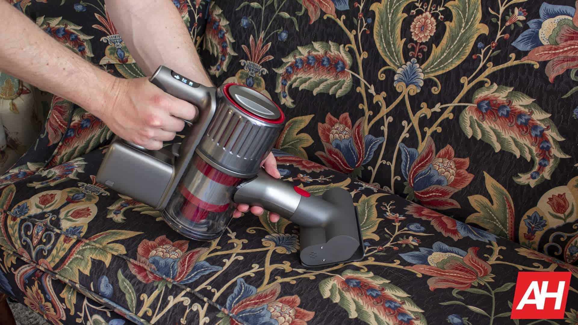 Roborock H6 AH 2020 vacuuming couch