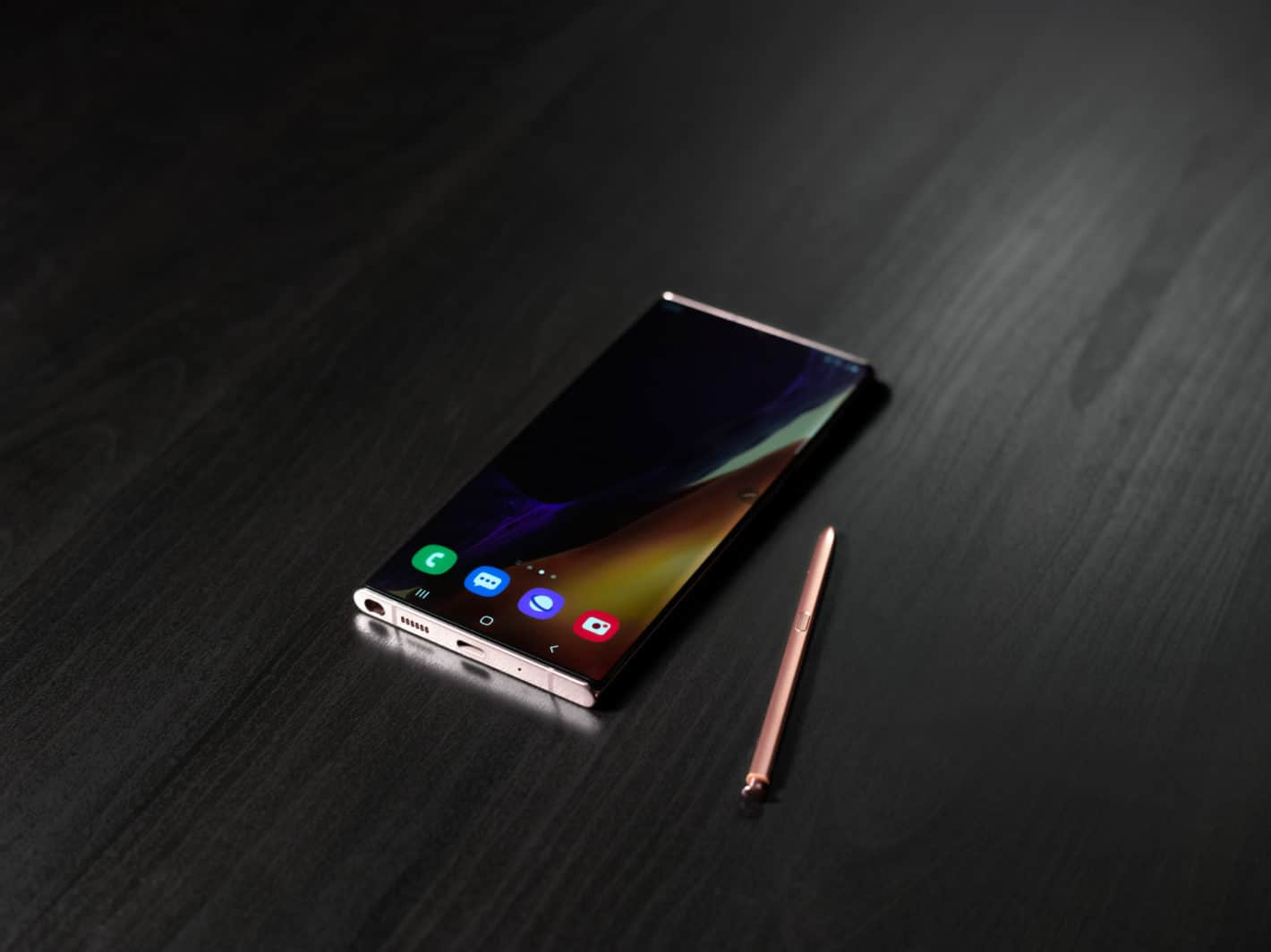 Galaxy Note20 Ultra Flat on Table