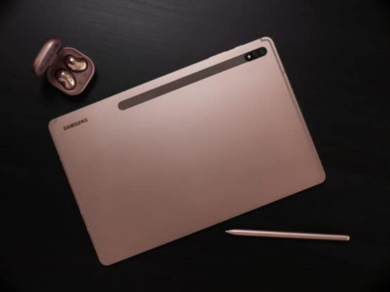 Galaxy Tab S7 and Buds Live Mystic Bronze Lifestyle
