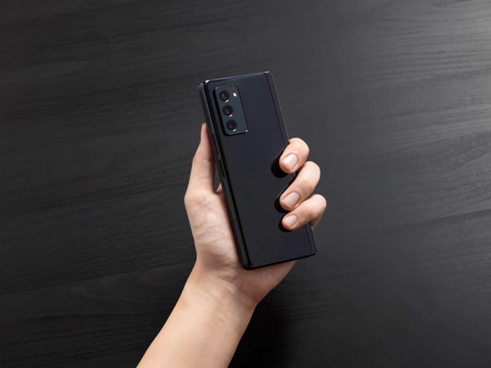 Samsung Galaxy Z Fold 2 3