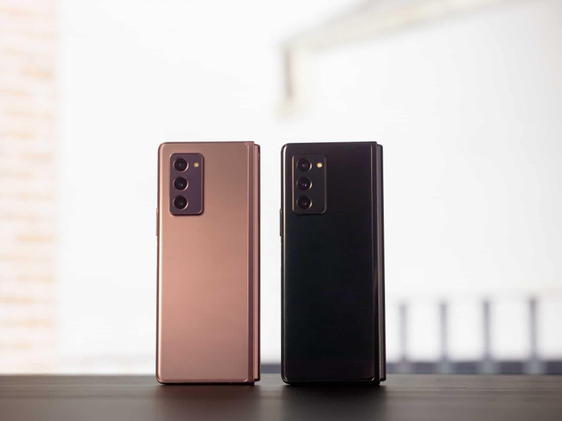 Samsung Galaxy Z Fold 2 6