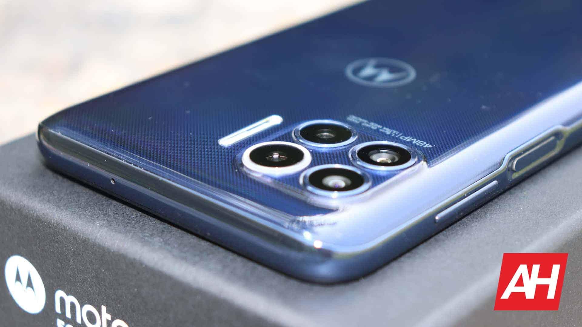 01 4 Motorola One 5G review AH 2020