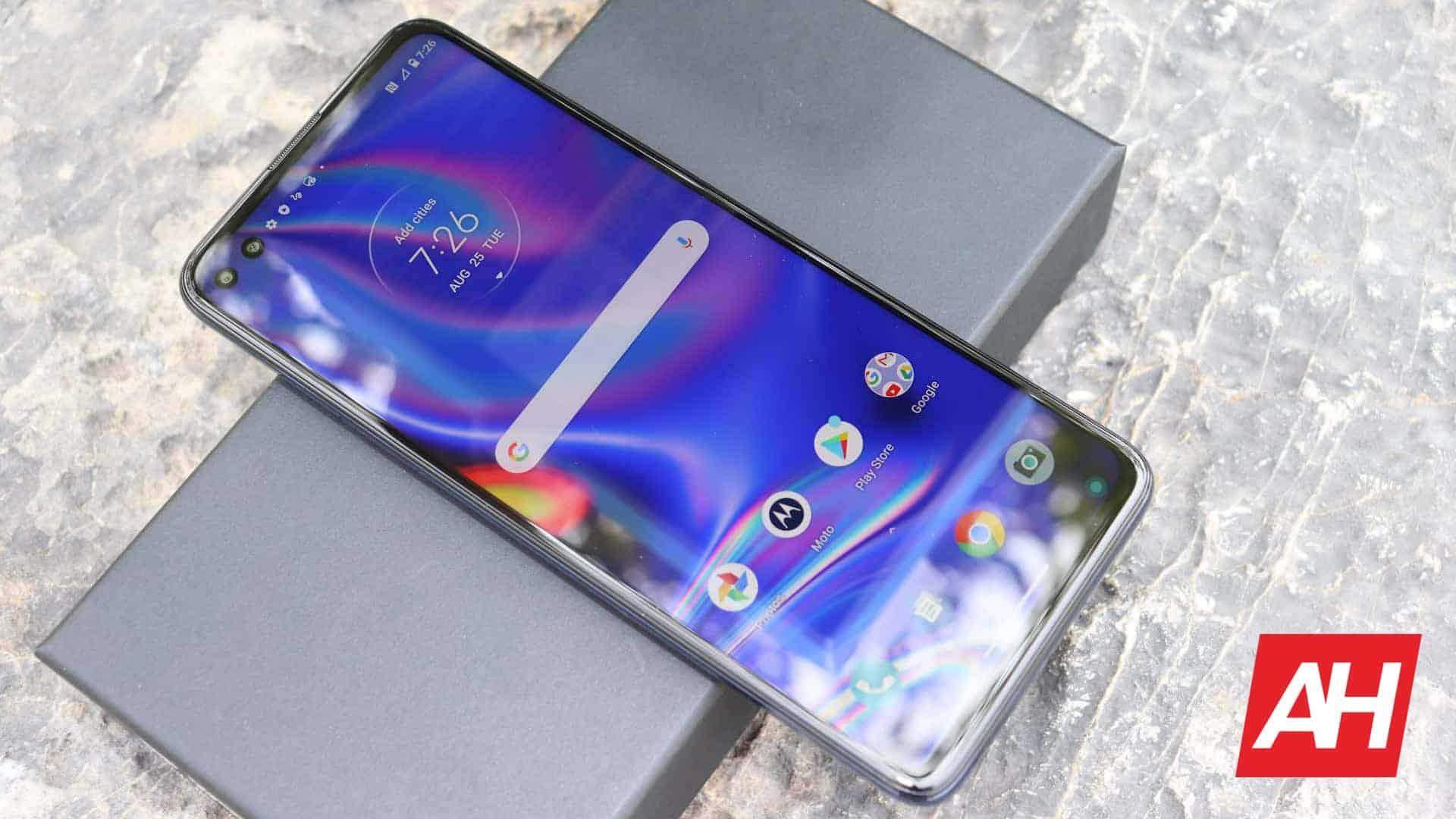 01 6 Motorola One 5G review AH 2020