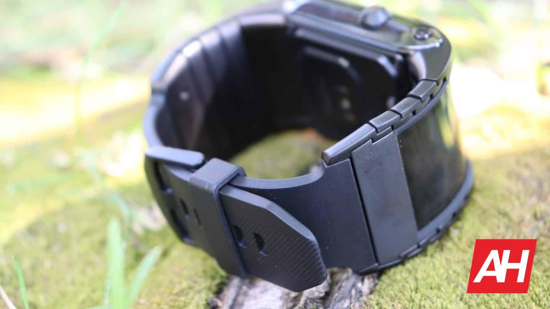 01 6 Nubia Watch Review Hardware DG AH 2020