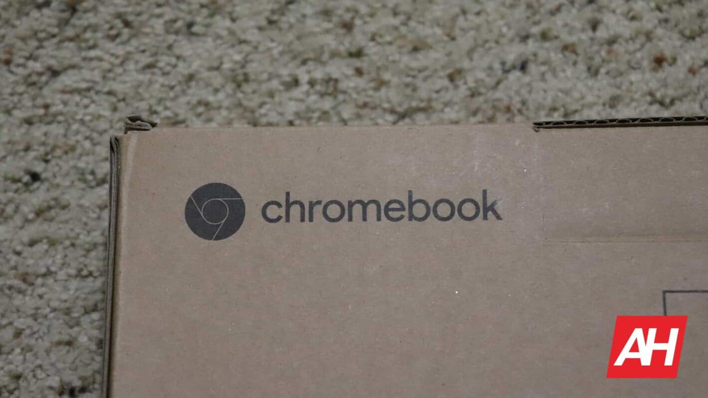Boxed Chromebook Logo DG AH 2020