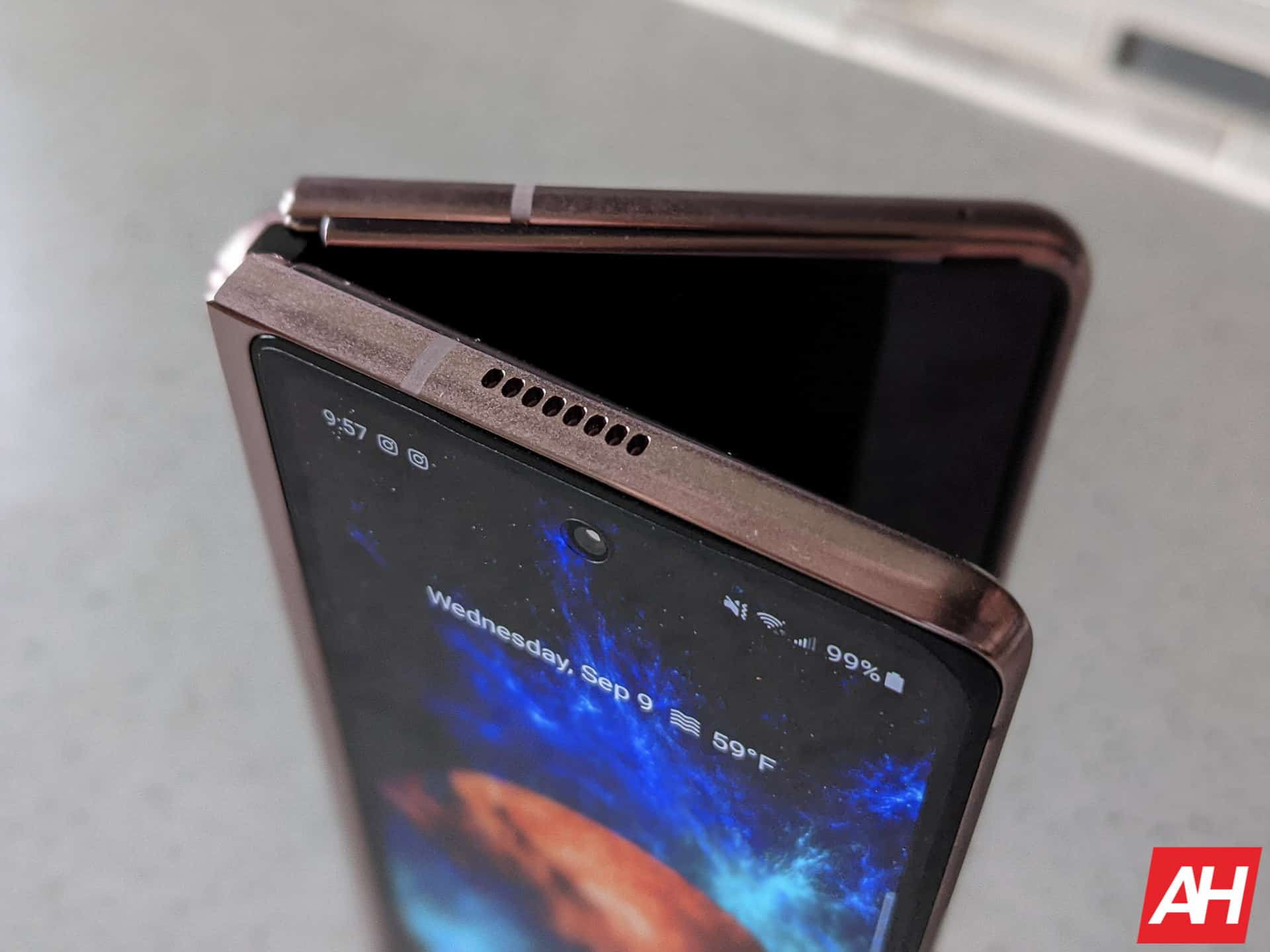 Samsung Will Soon Start Producing Foldable Displays For Google, Xiaomi & More