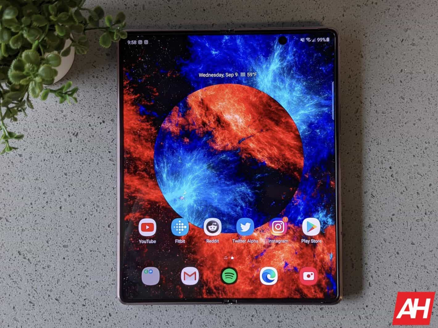 Samsung Galaxy Z Fold 2 AM AH 22