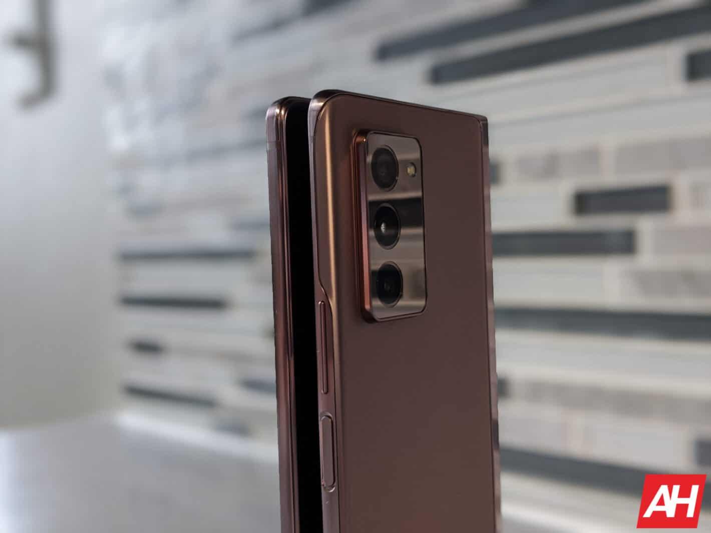 Samsung Galaxy Z Fold 2 AM AH 28