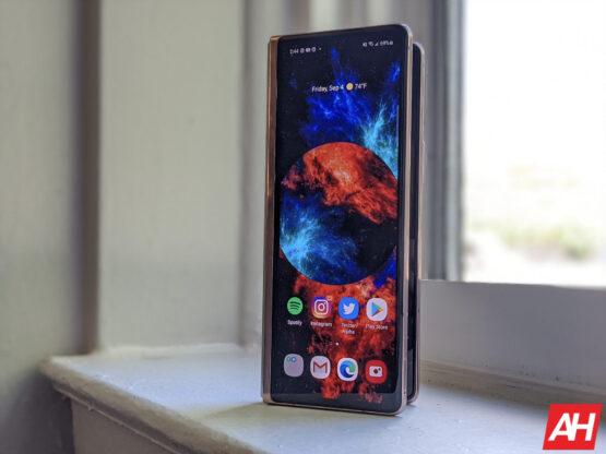 Samsung Galaxy Z Fold 2 AM AH 7