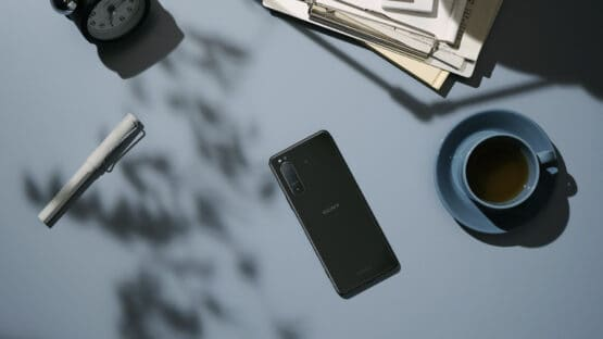 Xperia 5 II InSitu Black 16 9 Large