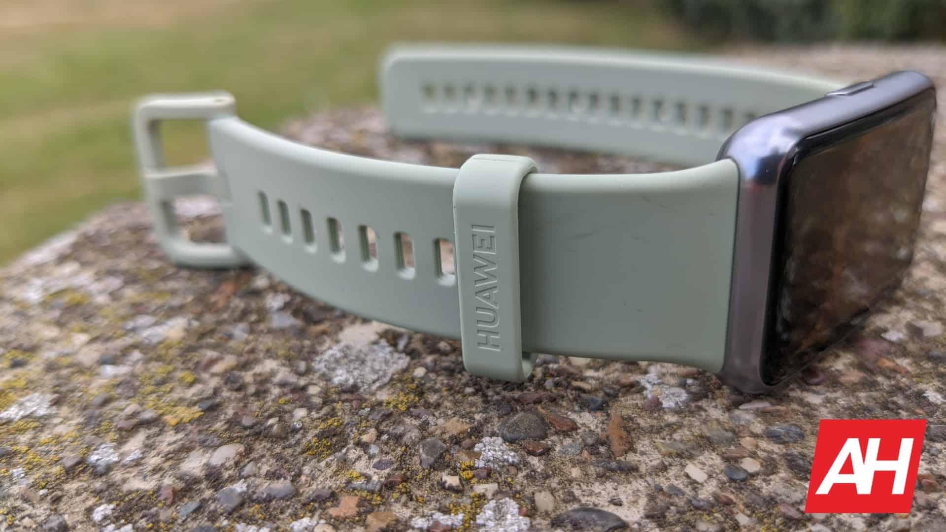 AH Huawei Watch Fit 17