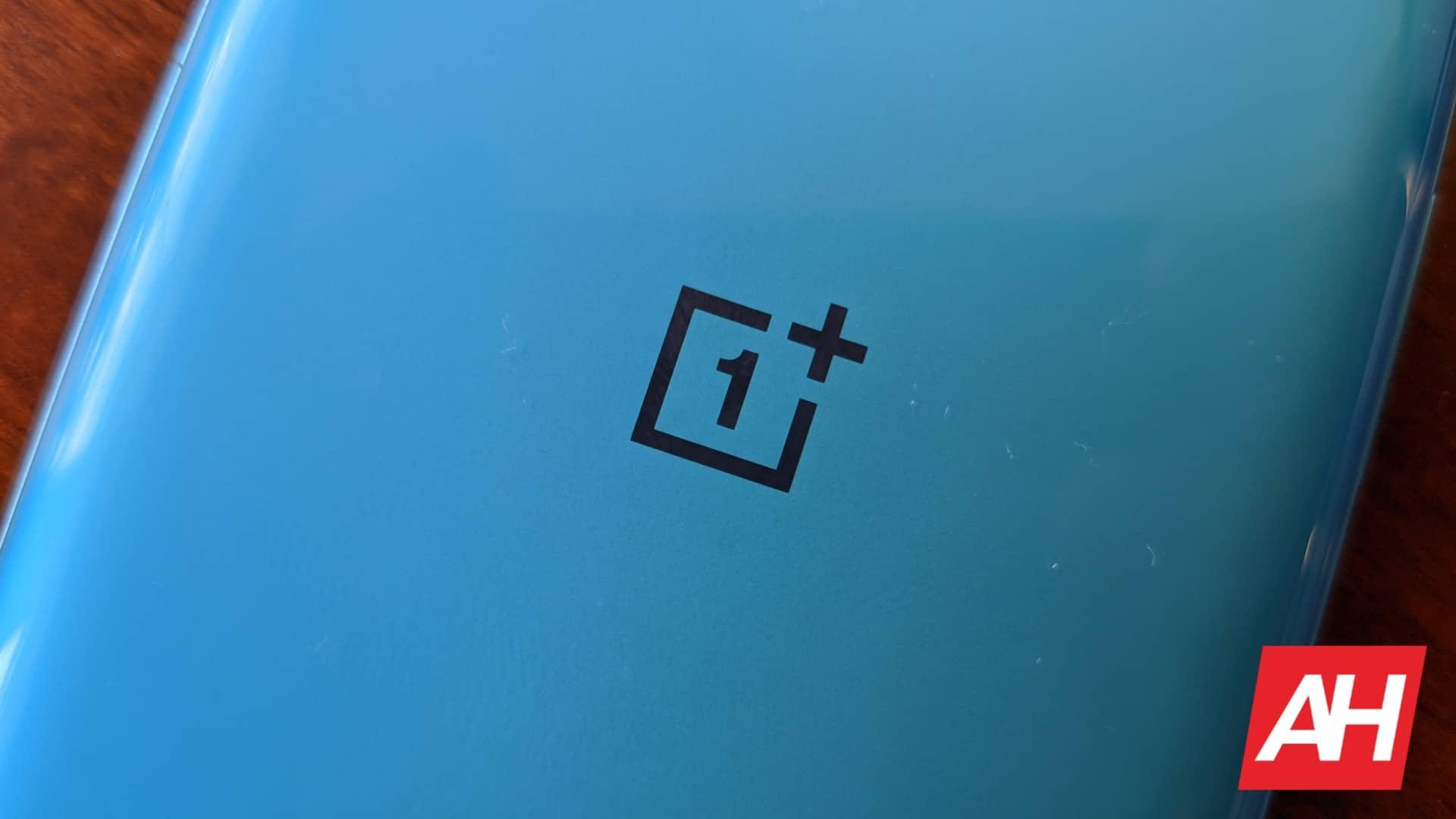 AH OnePlus 8T logo 10