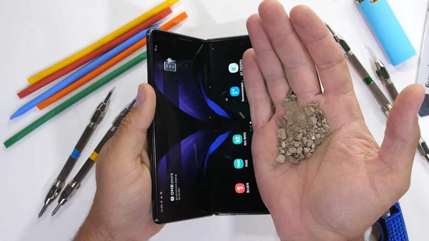 AH Samsung Galaxy Z Fold 2 durability test