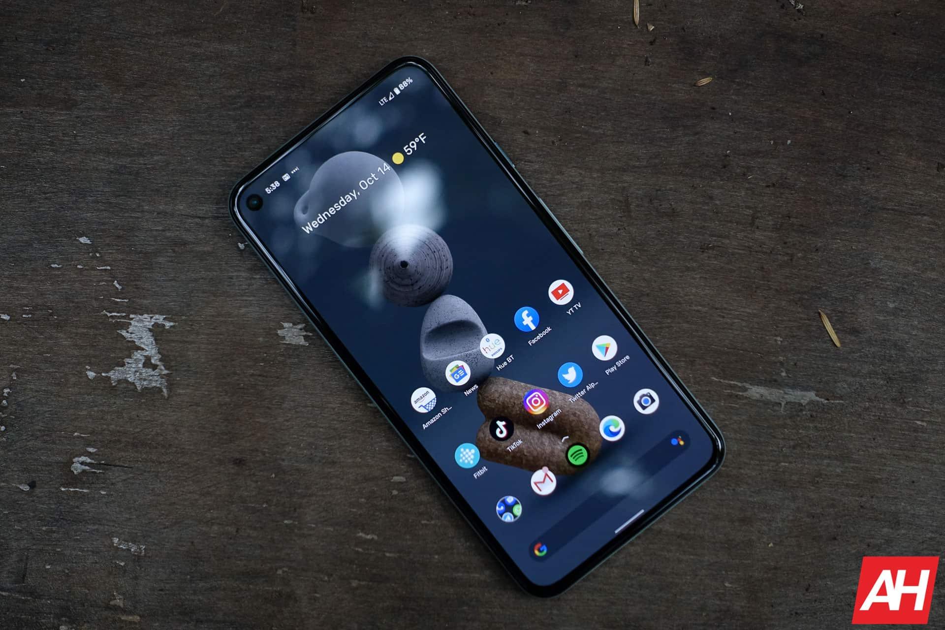 Google Pixel 5 Review AM AH 7