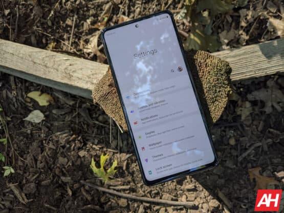 Samsung Galaxy S20 FE Review AM AH 11