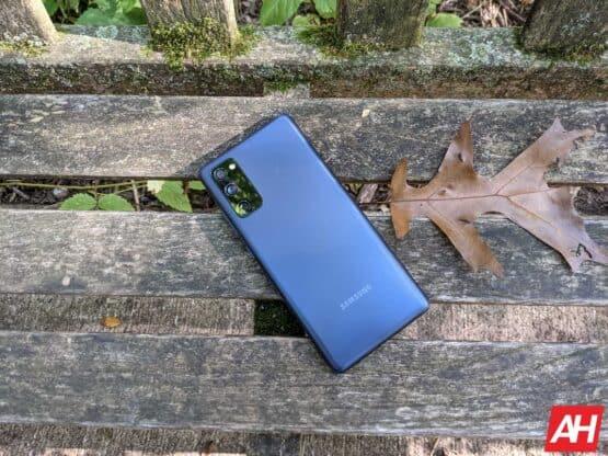 Samsung Galaxy S20 FE Review AM AH 8