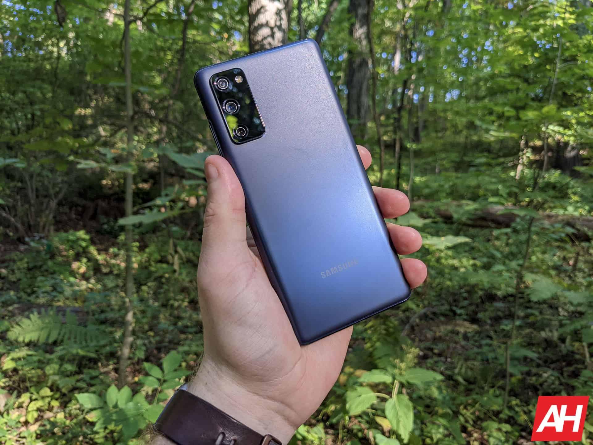 Samsung Galaxy S20 FE Review AM AH 9