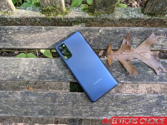 Samsung Galaxy S20 FE Review Featured AM AH 1