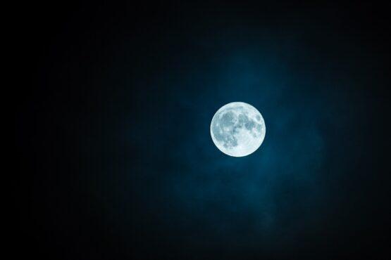 moon 1859616 1920