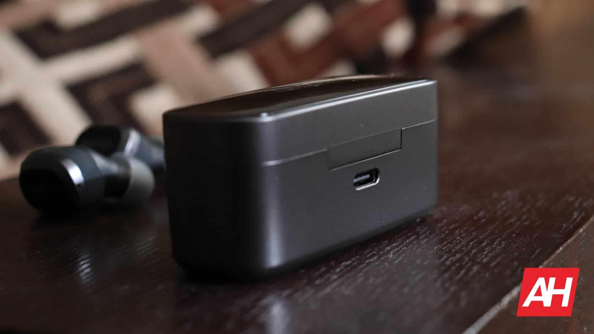 01 4 EarFun Free Pro review hardware DG AH 2020