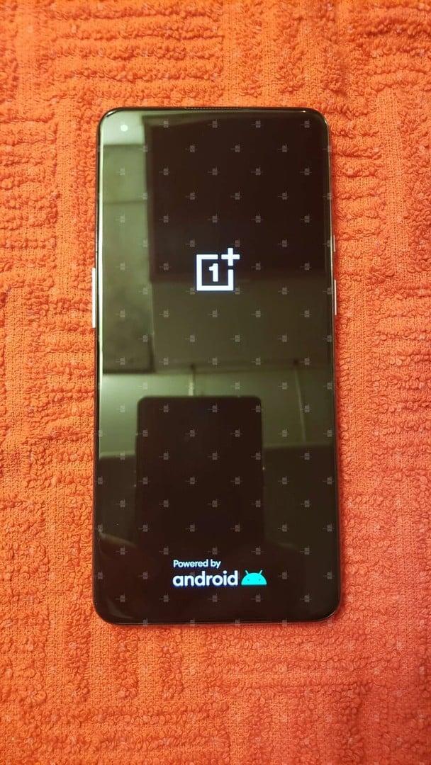 OnePlus 9 hands on image leak 4