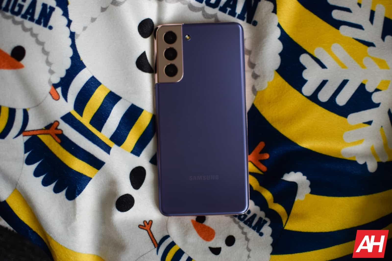 Samsung Galaxy S21 Review AM AH 05