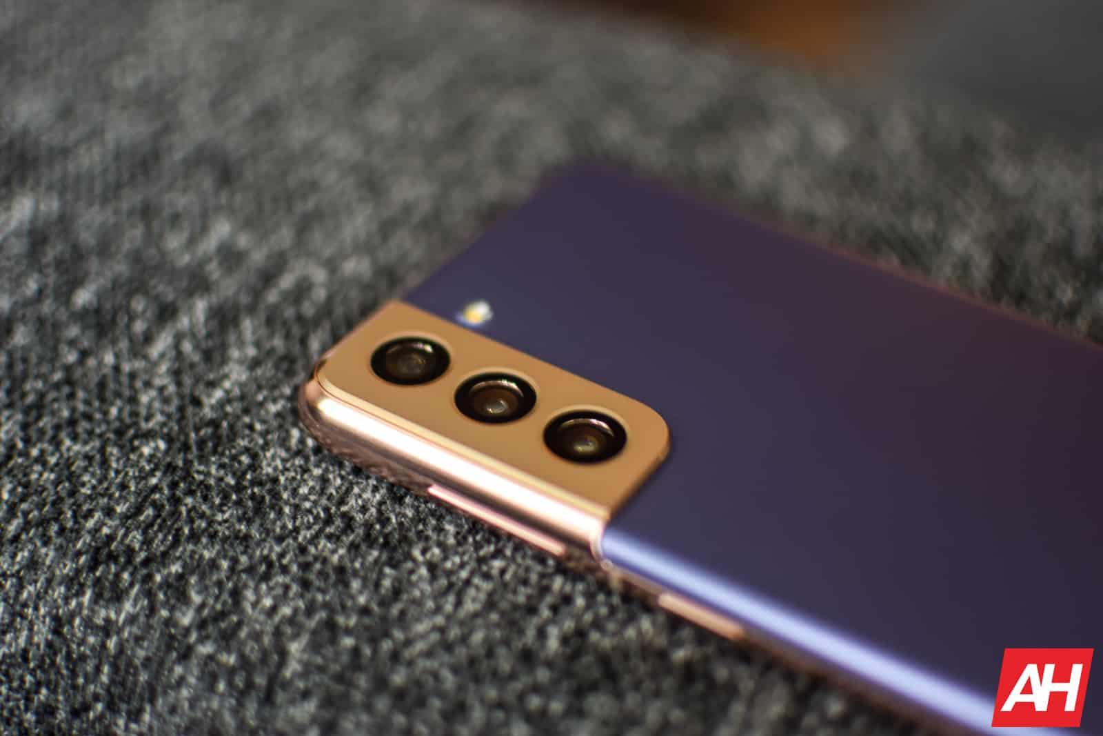Samsung Galaxy S21 Review AM AH 09
