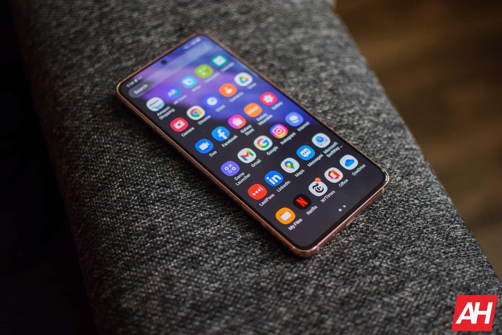 Samsung Galaxy S21 Review AM AH 13