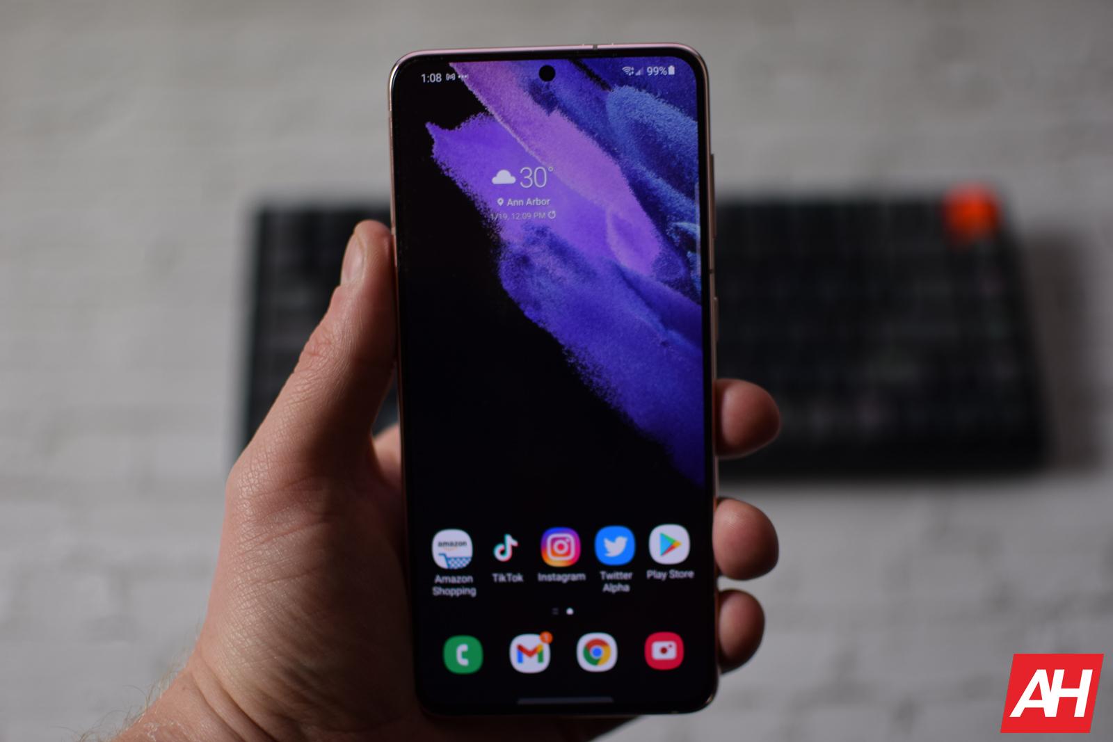 Samsung Galaxy S21 Review AM AH 19