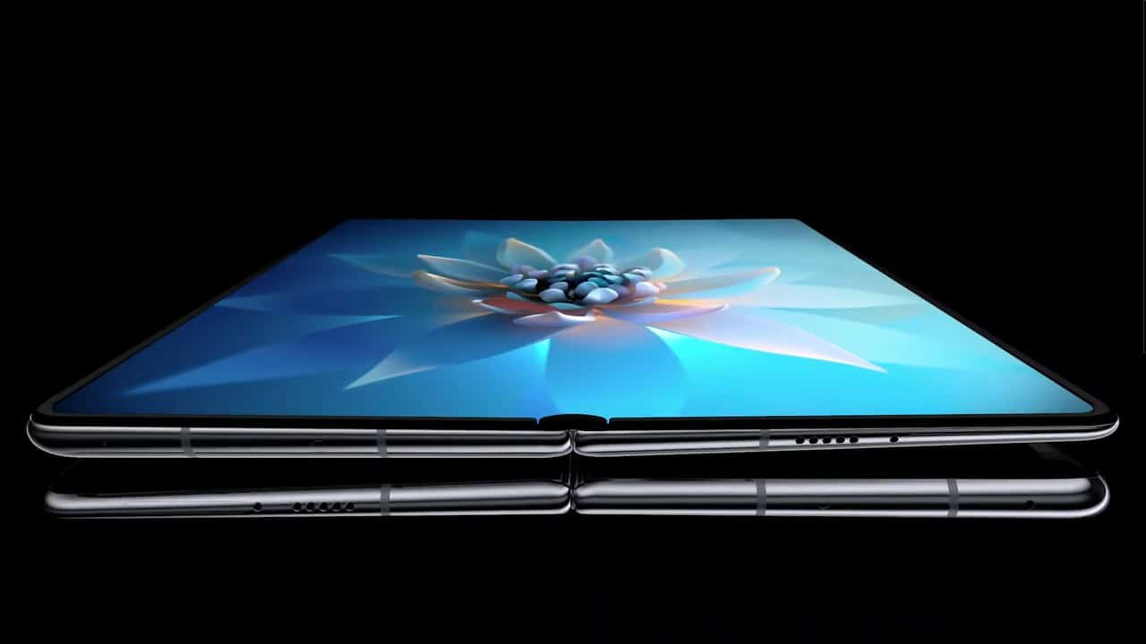 Huawei Mate X2 image 2