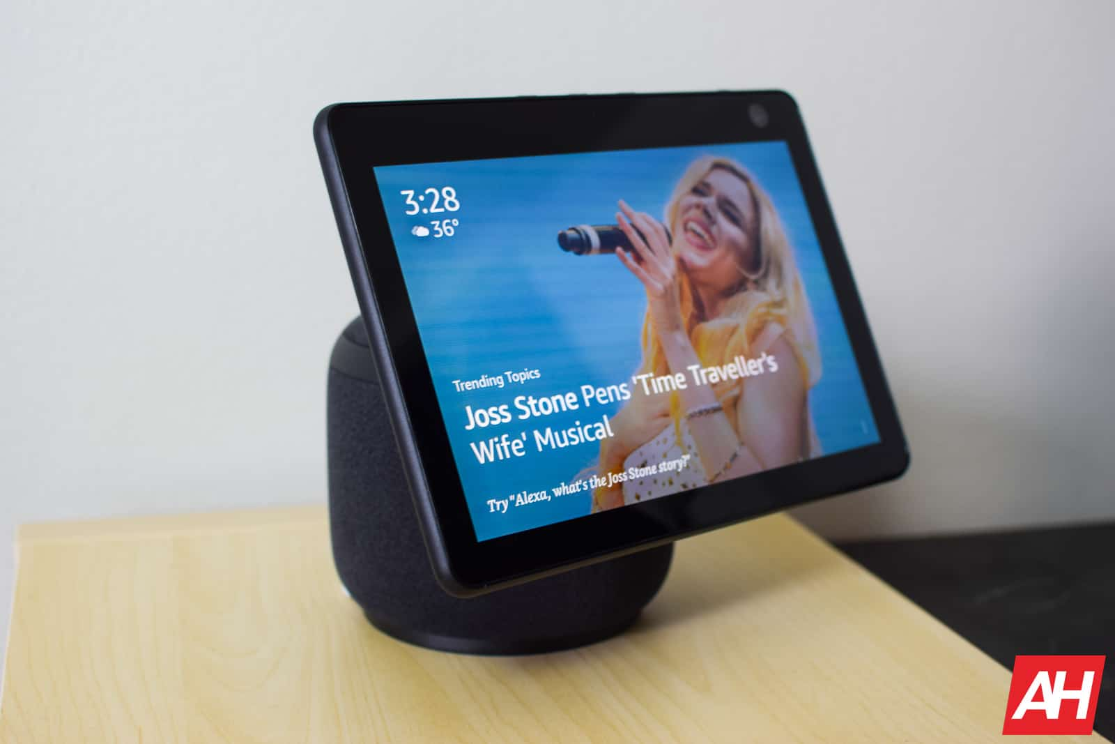 The Amazon Echo Show 10 Gets Its First Discount