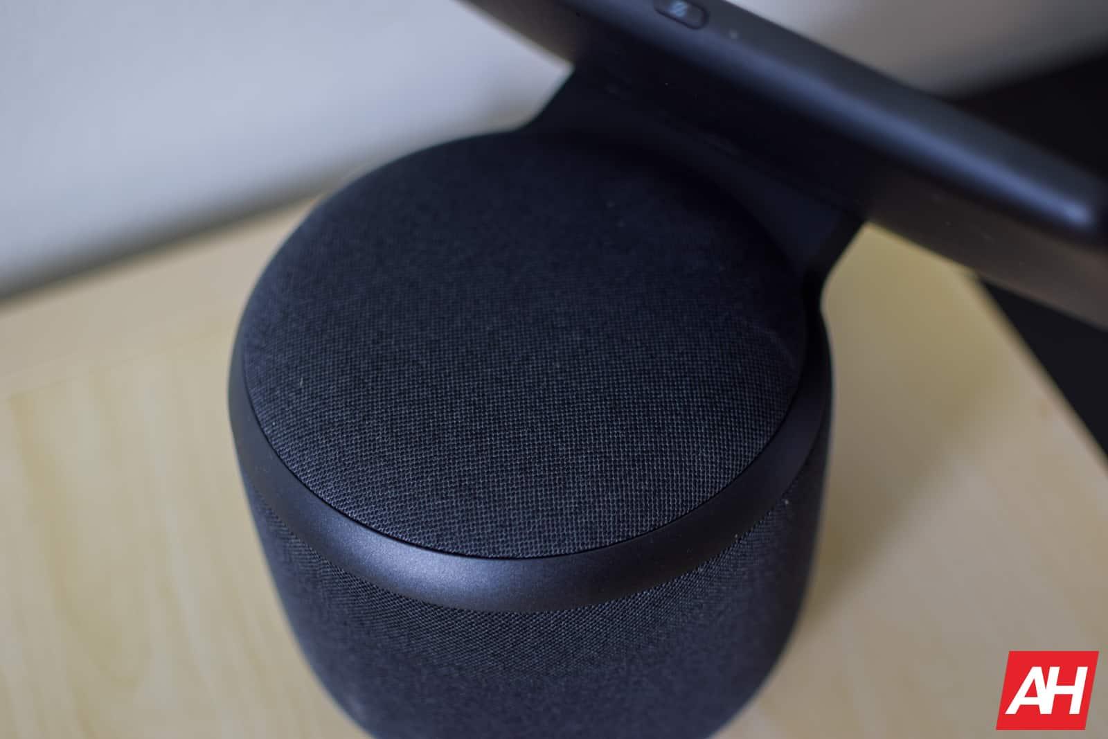Amazon Echo Show 10 Review AM AH 06