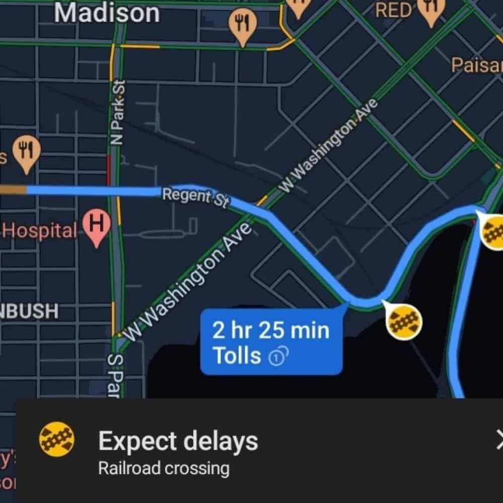 Google Maps Railroad Crossings alert example from Redditor AutoEvolution