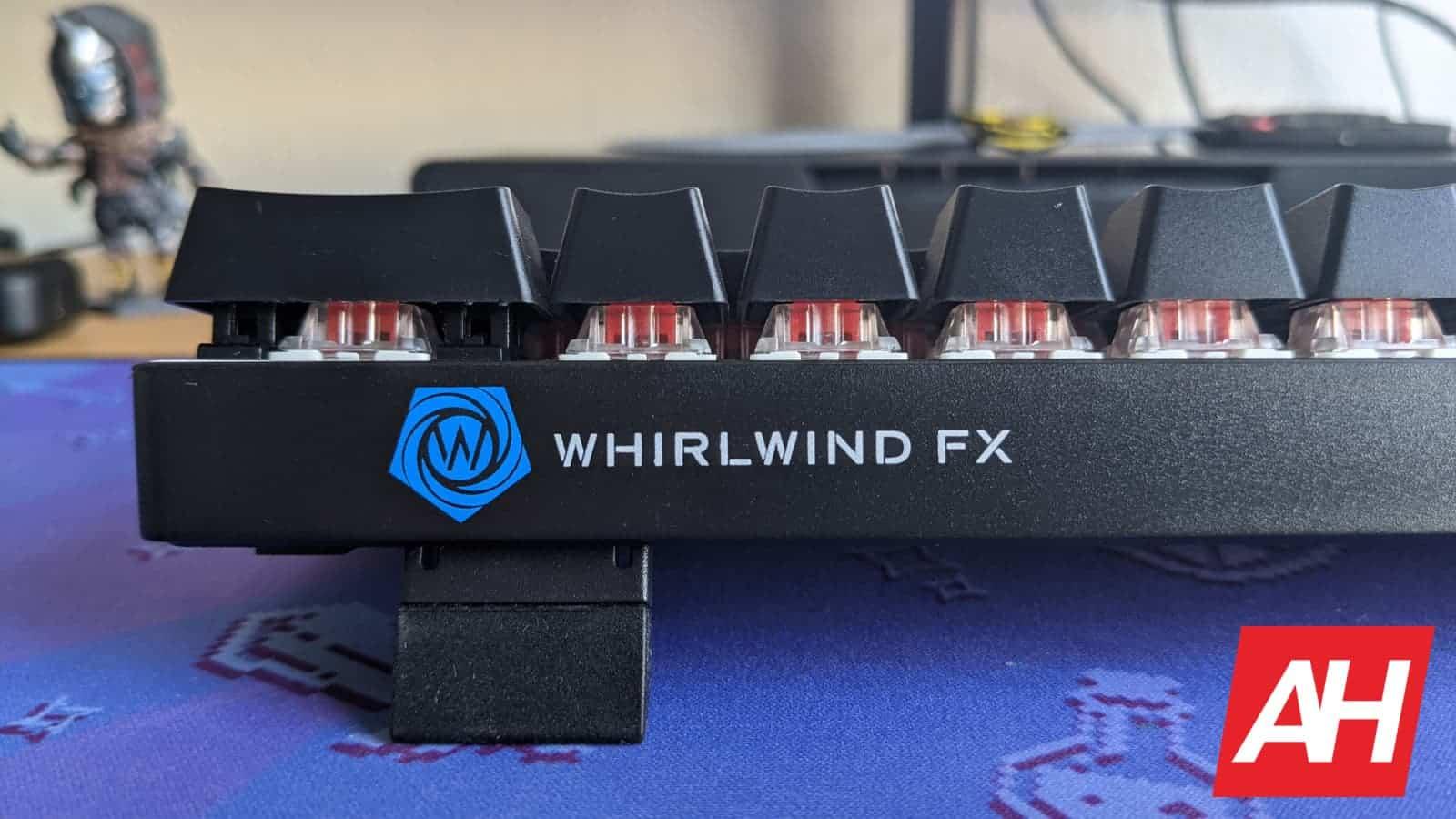 WhirlwindFX Atom 60 Gaming Keyboard Review 4