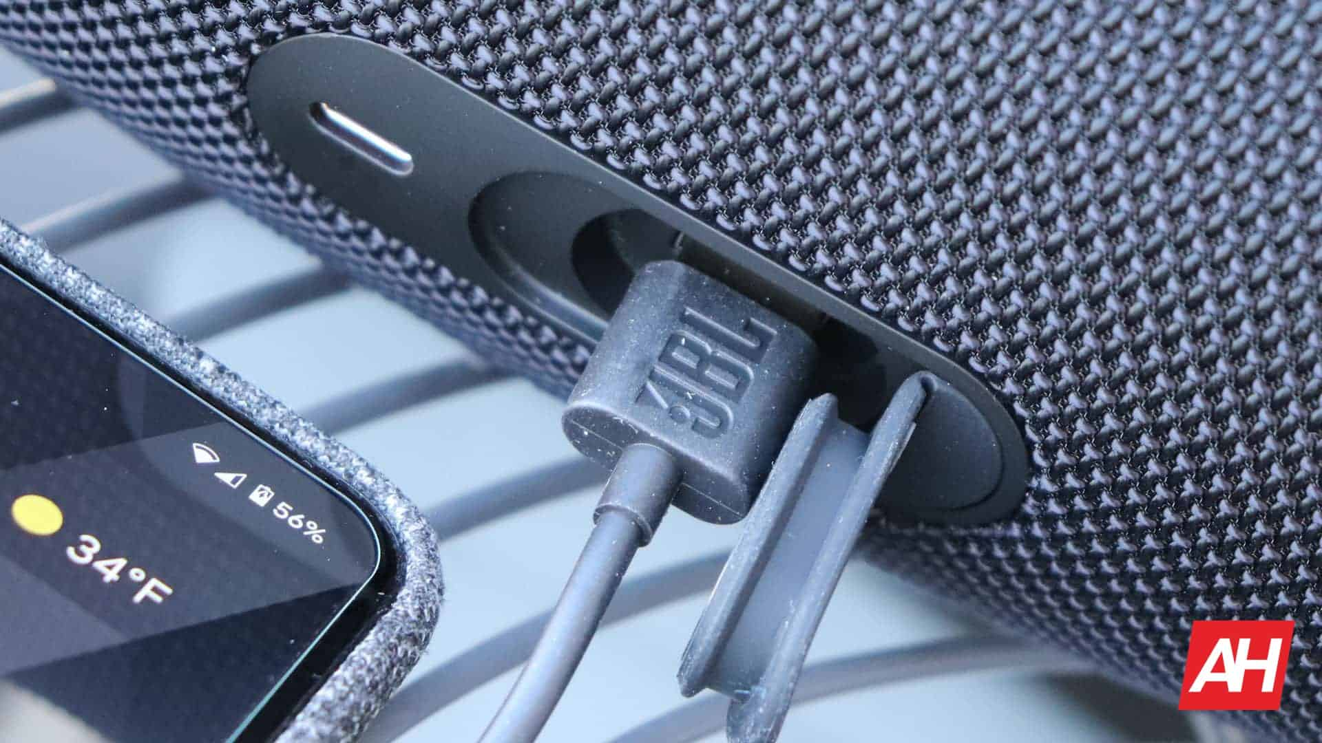 04 JBL Charge 5 Review connectivity features DG AH 2021