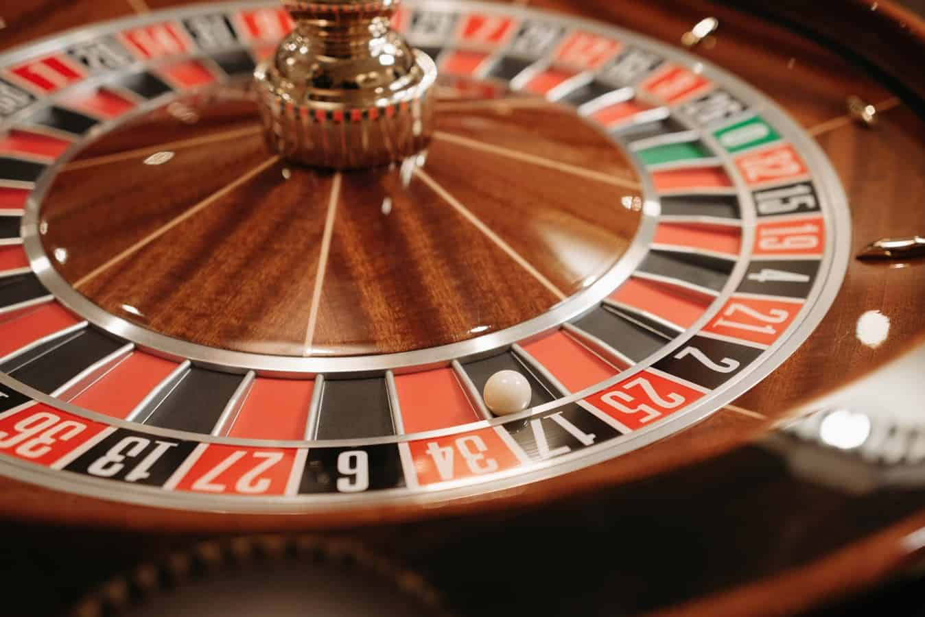 Play casino games using your phone