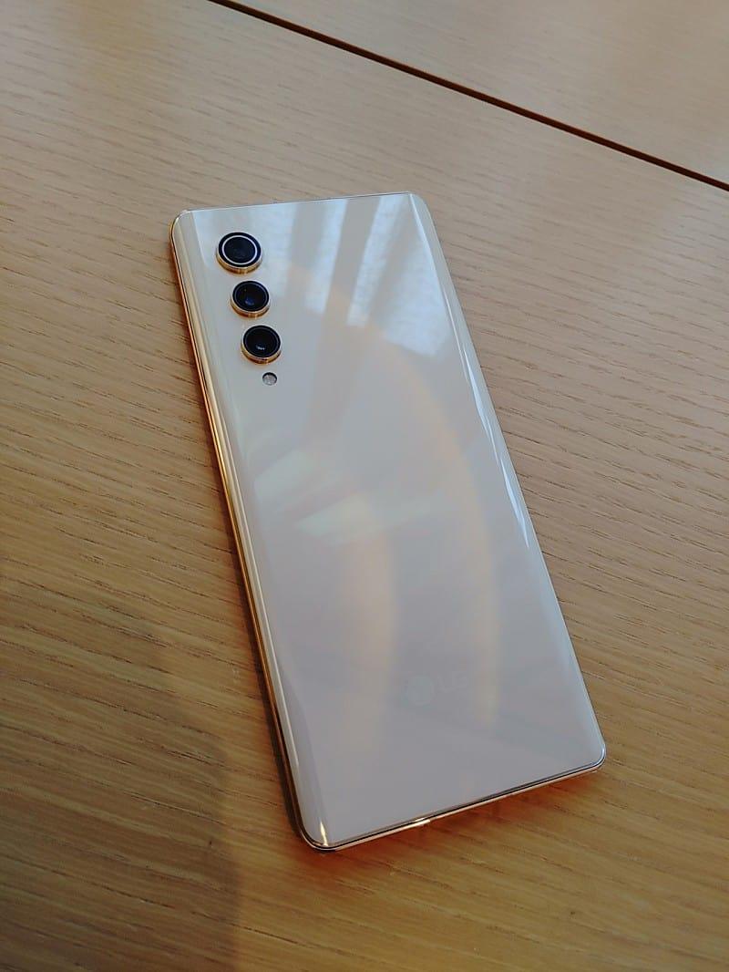 LG V70 real life image leak