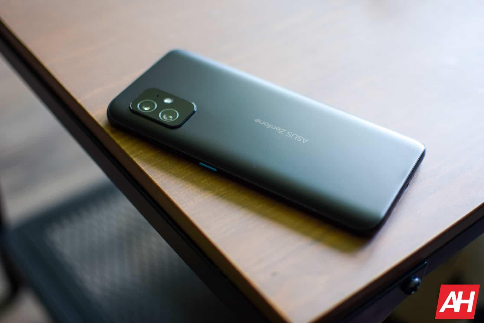 ASUS Zenfone 8 Review AM AH 04