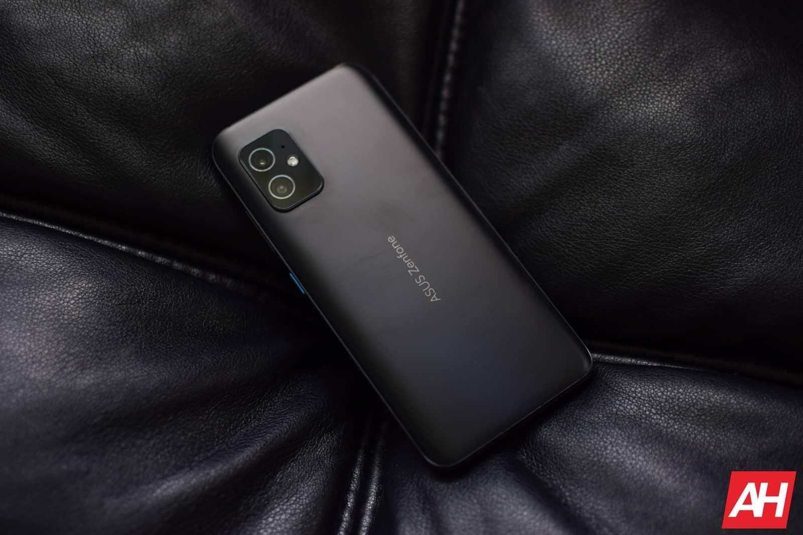 ASUS Zenfone 8 Review AM AH 09