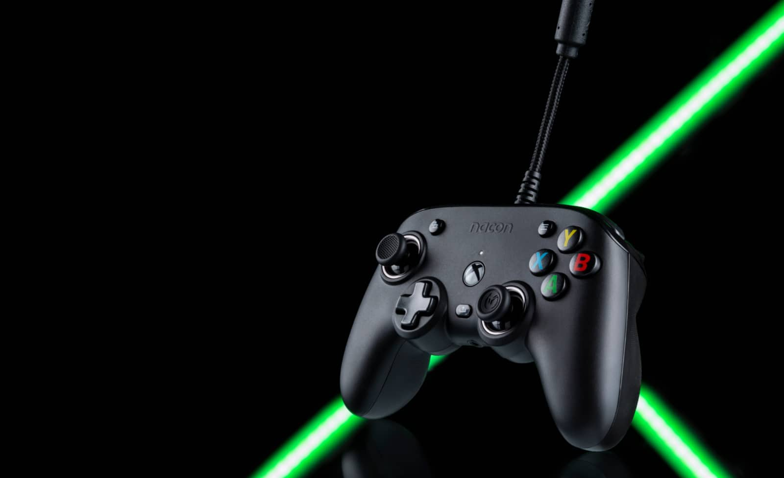 This New Xbox Controller Adds Dolby Atmos To Any Headset