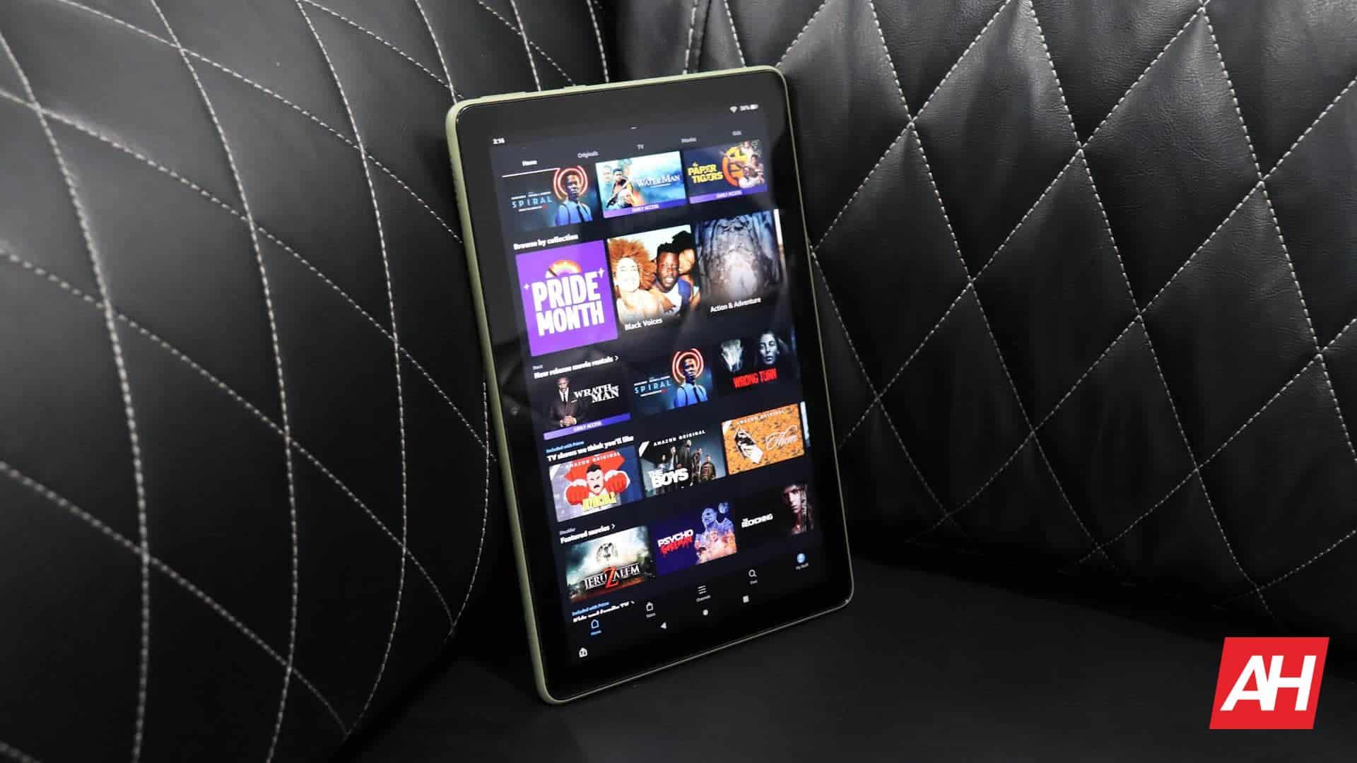02 Amazon Fire HD 10 review display DG AH 2021